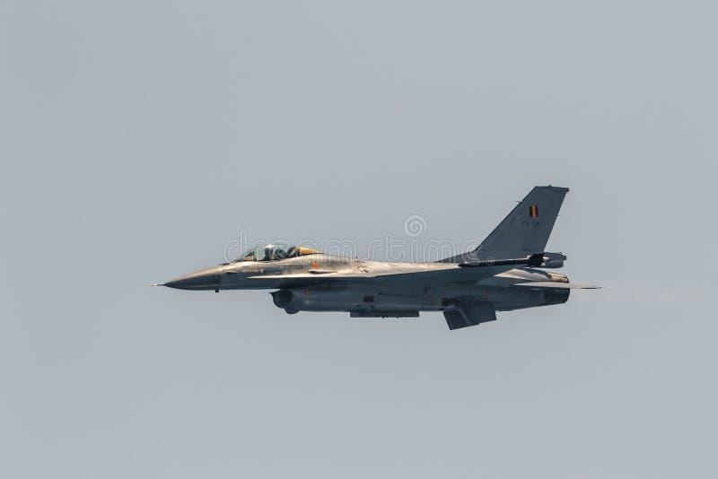Дисплей бельгийца F-16 воздушных судн сольный стоковая фотография rf