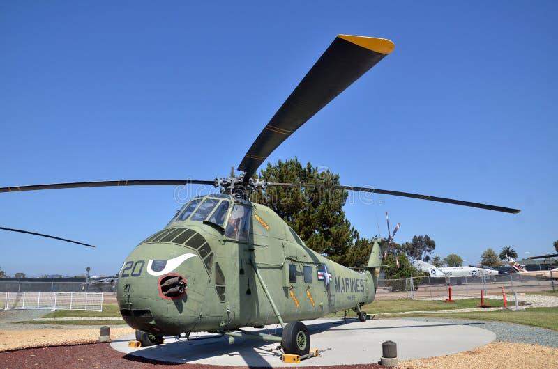 Дисплей Chickasaw HRS-3 H-19 внутри летать музей авиации Leatherneck в Сан-Диего, Калифорния стоковое изображение rf