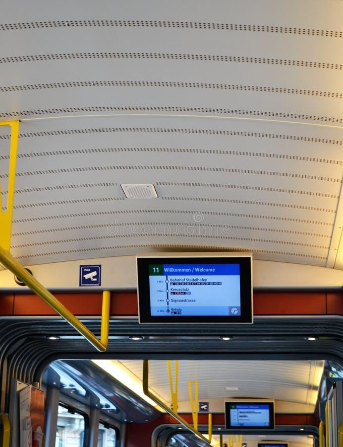 Дисплеи крыши & трассы трамвая Цюриха стоковое фото