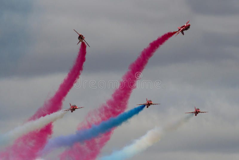 Дисплей команды дисплея стрелок военно-воздушных сил Великобритании красный на королевском Int стоковая фотография