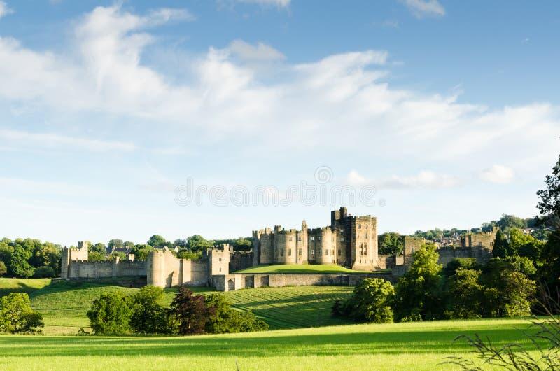 Дистантный замок Alnwick стоковая фотография rf