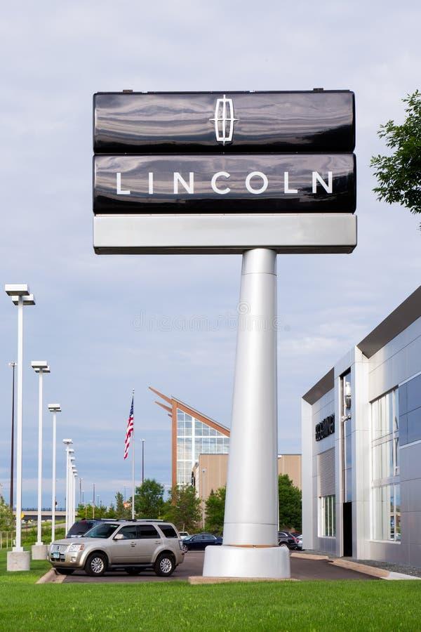 Дилерские полномочия автомобиля Линкольна стоковое изображение rf