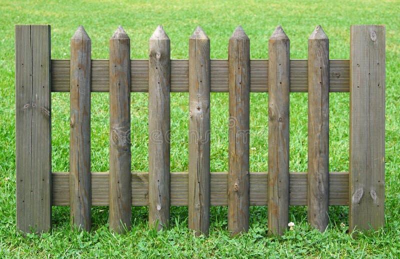 Длина деревянный ограждать стоковая фотография rf