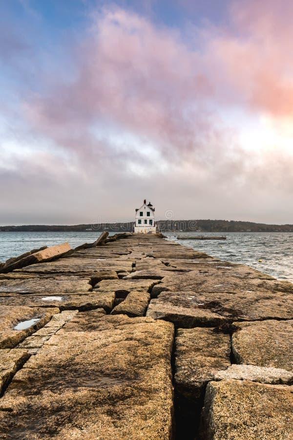 Длинная дорожка к маяку Rockland стоковые фотографии rf