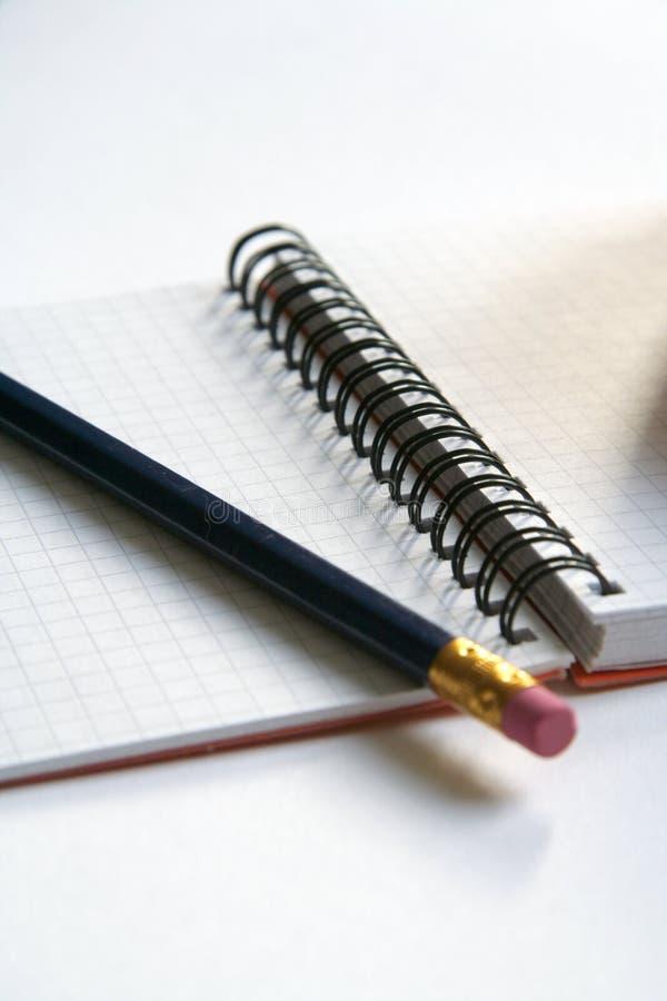 Дневник и карандаш стоковая фотография