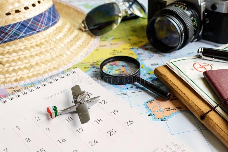 Дневник и календарь с пасспортом стоковые изображения rf