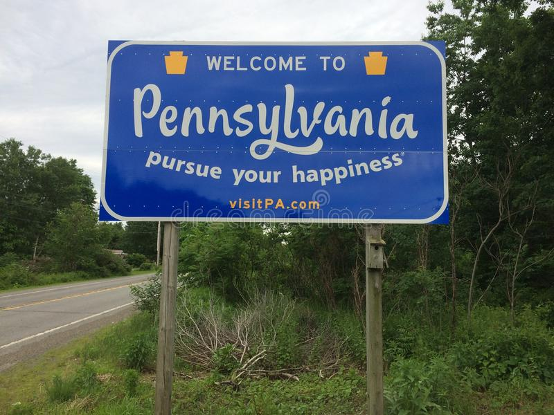 Добро пожаловать к дорожному знаку Пенсильвании стоковая фотография rf