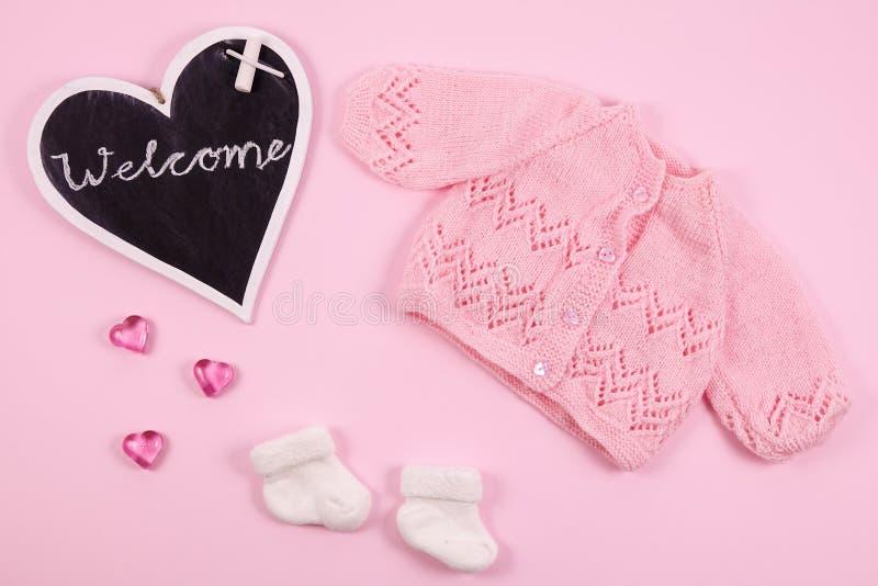 Добро пожаловать к newborn младенцу стоковые фото