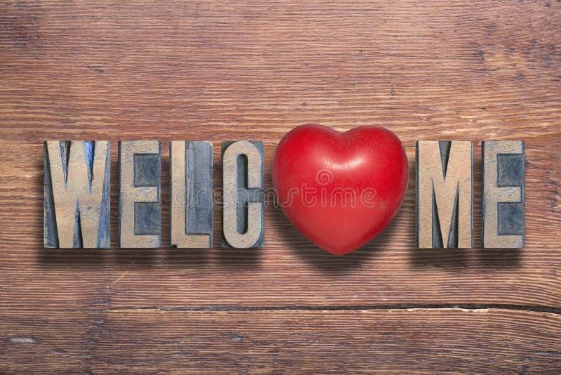 Добро пожаловать сердце деревянное стоковое изображение rf