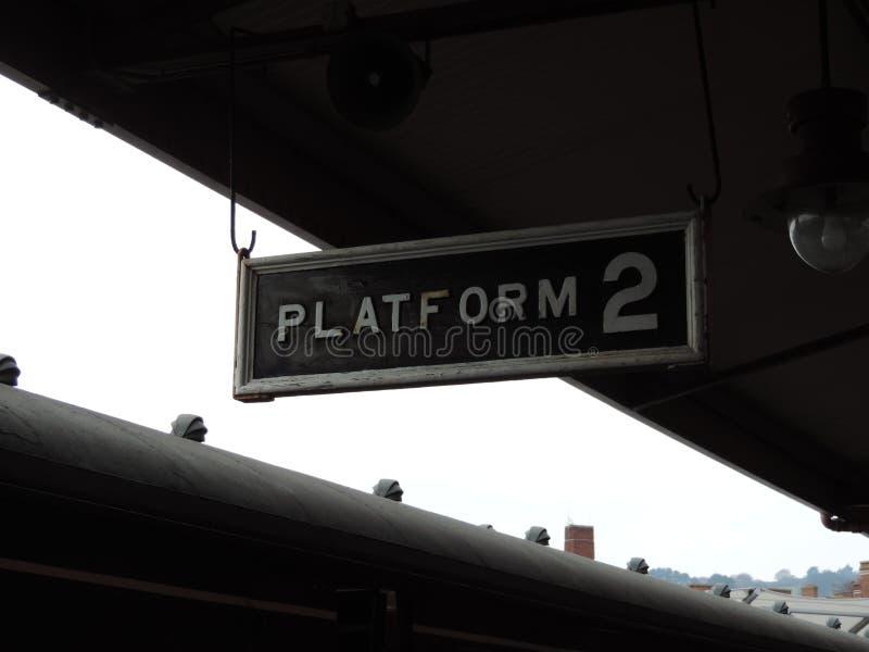 Добро пожаловать к платформе 2 в станции Minehead фото было принято в тот же день стоковые фотографии rf