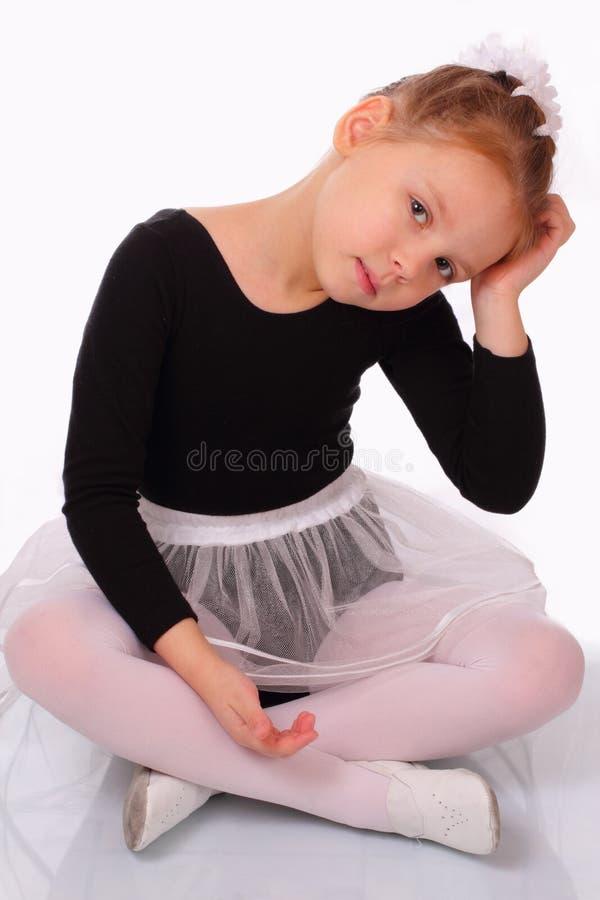 Довольно маленькая девушка балерины стоковое фото rf