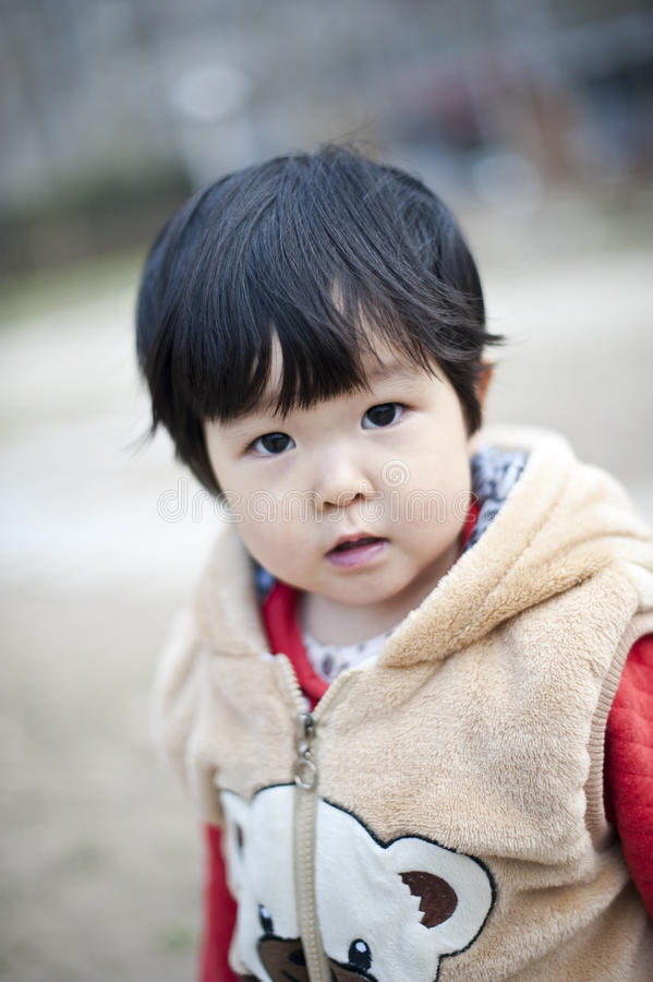 Довольно маленькая китайская девушка стоковое изображение rf