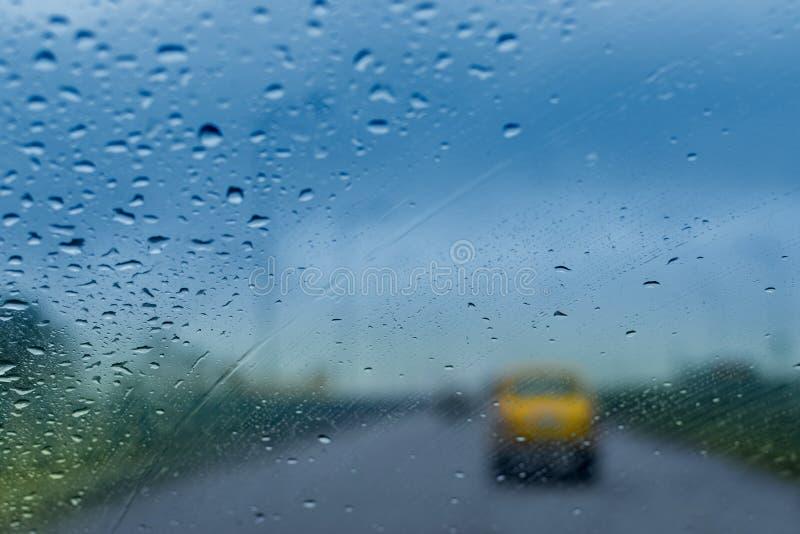 Дождевые капли - изображение запаса муссона Kolkata стоковая фотография