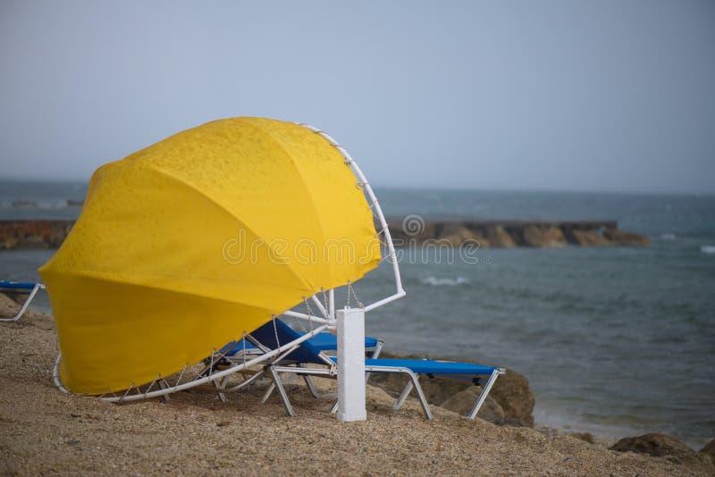 Дождь на пляже стоковое фото