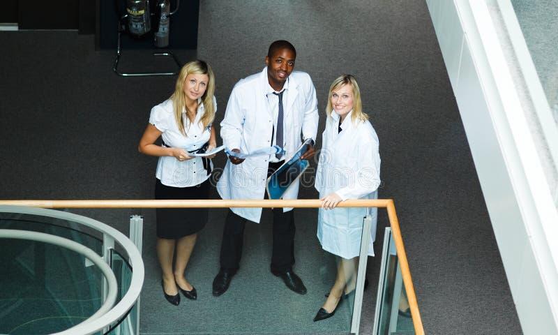 доктора собирают высокий взгляд стоковое фото rf