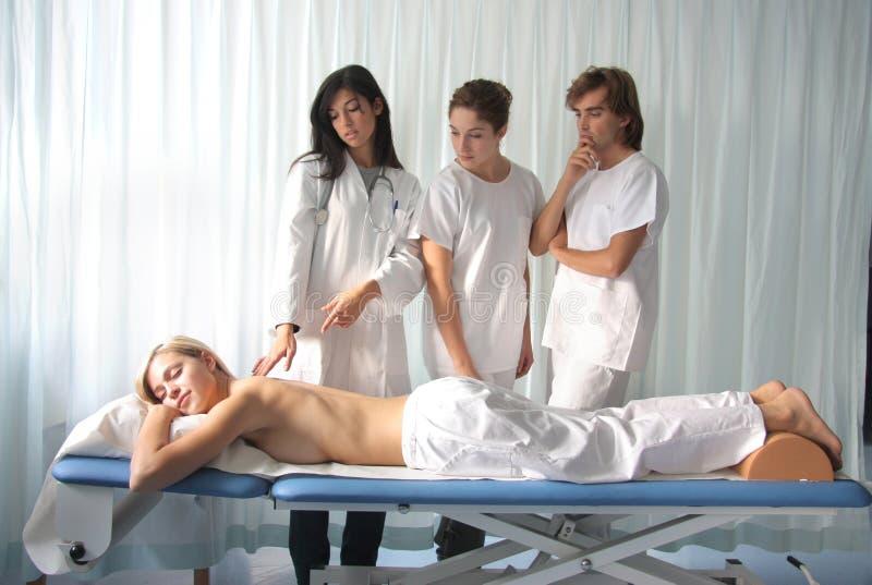 Download доктора стоковое изображение. изображение насчитывающей bodysuits - 6863059