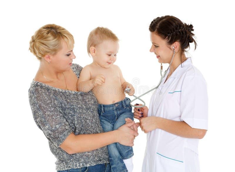 Доктор и малые patien педиатрия стоковые изображения rf