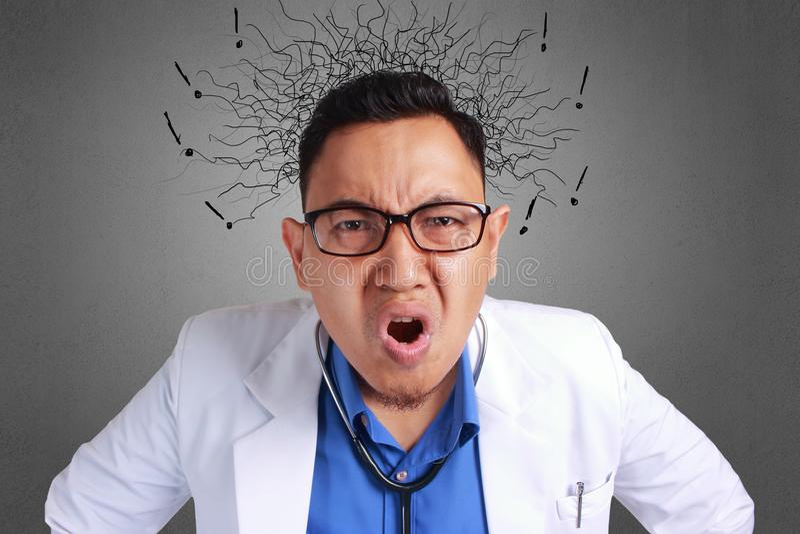 Доктор сердитый стоковые фотографии rf
