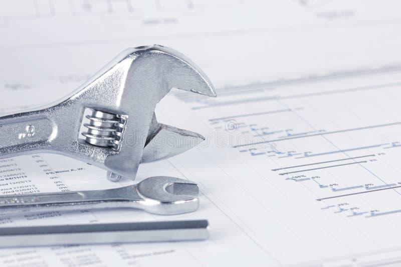 Документы проекта инженерства рисуя с ключем стоковая фотография rf