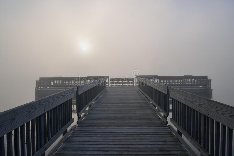 Док в тумане стоковые изображения rf