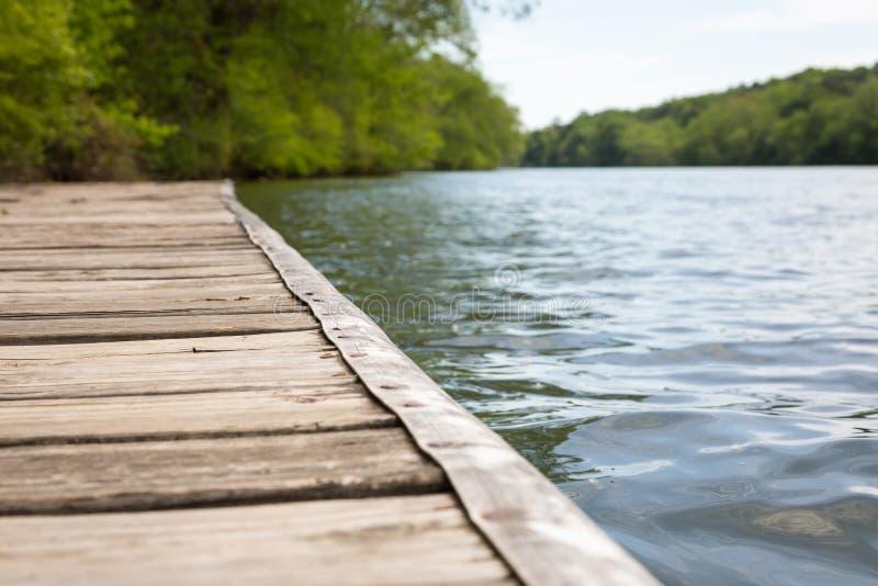 Док реки лета стоковая фотография