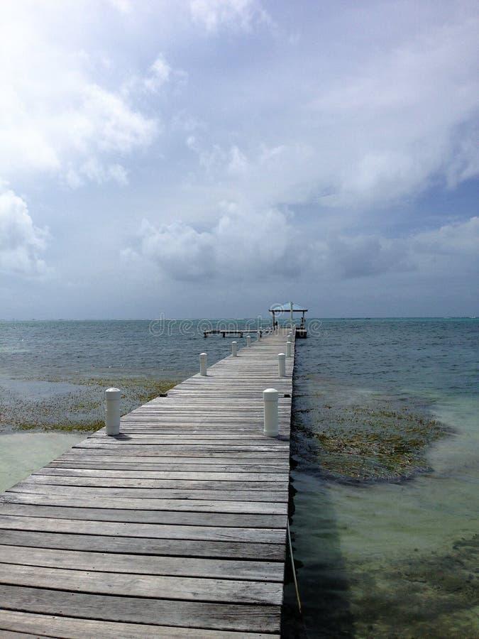 Док Caye янтаря с укрытием стоковое фото rf