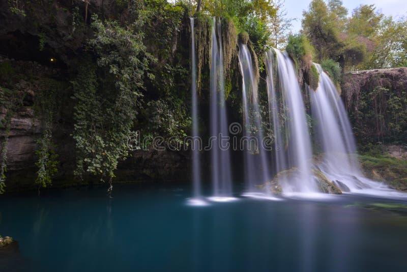 Долгая выдержка водопада Duden стоковое изображение rf