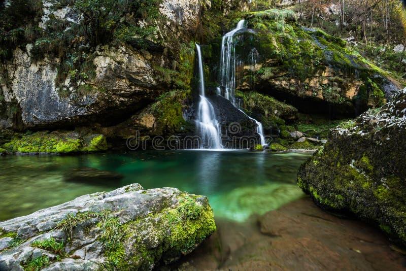 Долгая выдержка, водопад Virje в Словении стоковое изображение