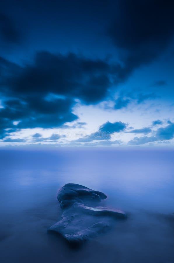 Долгая выдержка в сини стоковые фотографии rf