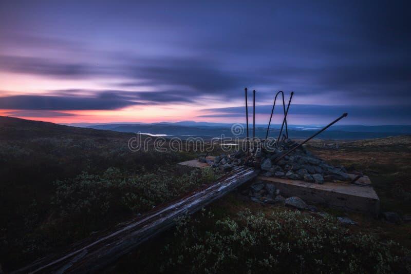 Долгая выдержка на ночном небе и ландшафтах в зоне Nordgruvefe стоковое изображение rf
