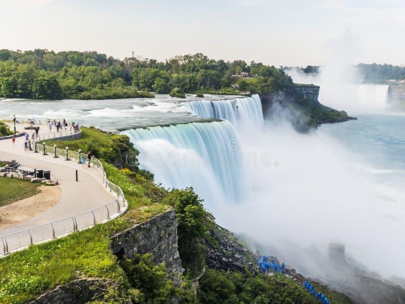 Долгая выдержка Ниагарского Водопада, silk вода New York стоковые изображения rf