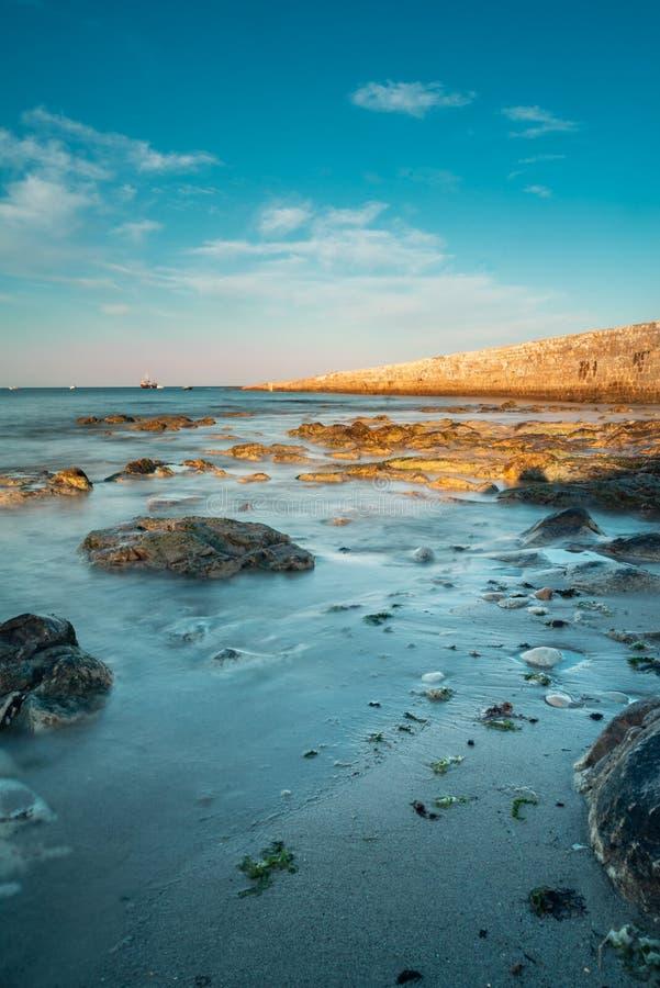 Долгая выдержка океанских волн стоковые фотографии rf