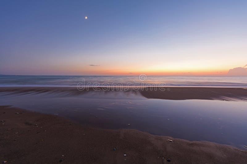 Долгая выдержка сняла пляжа на Пелопоннесе, Греции стоковые изображения