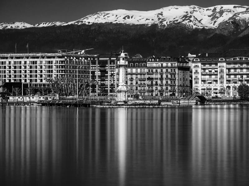 Долгая выдержка снятая маяка Женевы стоковая фотография