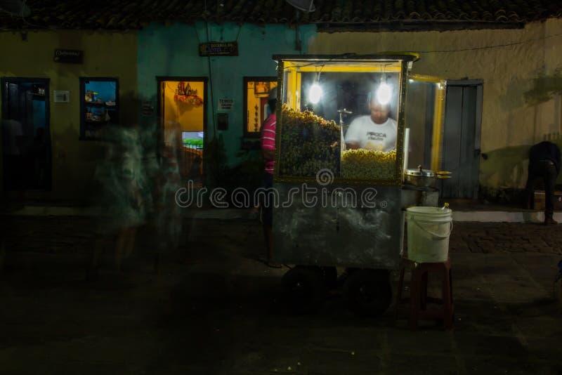 Долгая выдержка pipoqueiro во время фестиваля зимы Igatu, Chapada Diamantina стоковое изображение