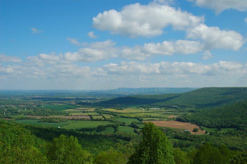 долина весны стоковое изображение rf