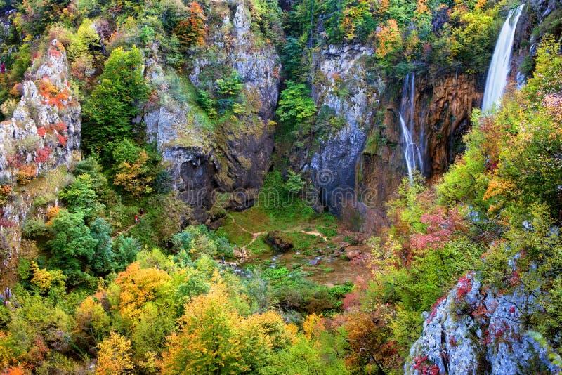 долина горы осени стоковое изображение