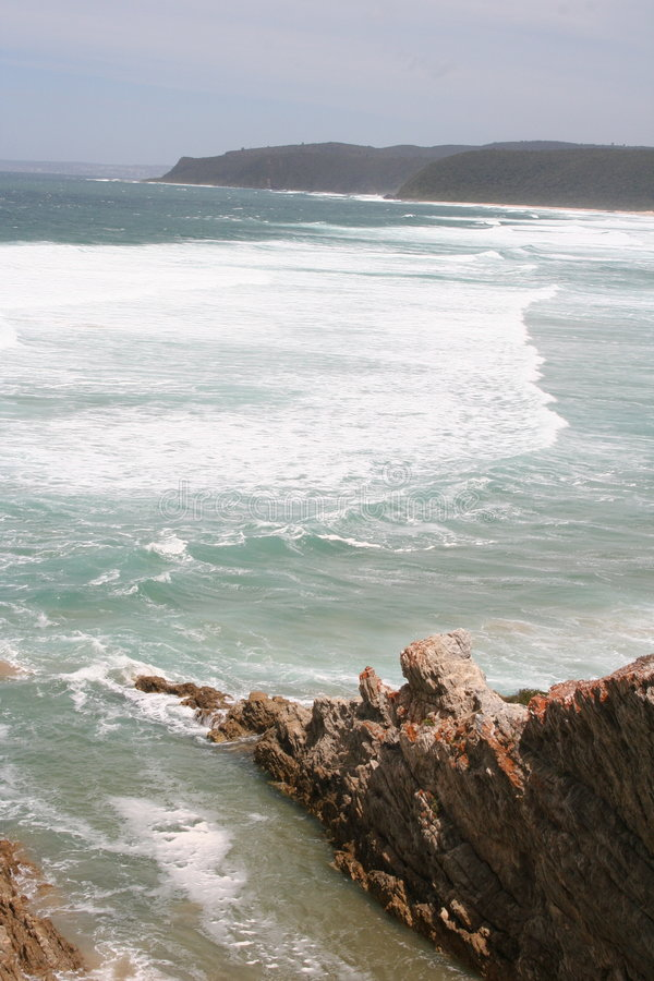 Download Долина природы стоковое изображение. изображение насчитывающей ширь - 6867737