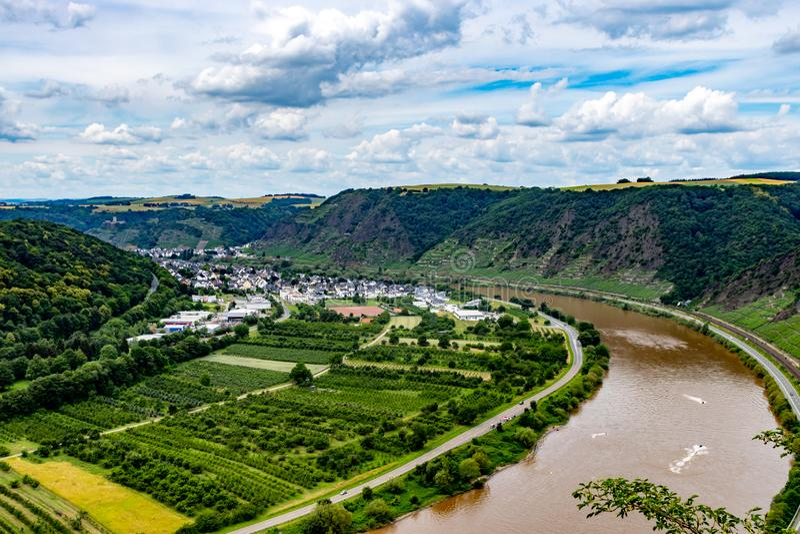 Долина Mosel от верхней части моста долины Mosel на Winninge стоковые фото