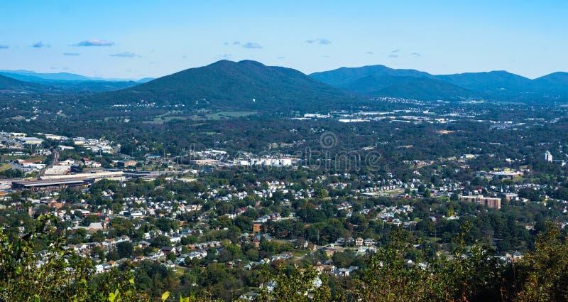 Долина Roanoke от горы мельницы обозревает стоковые фото