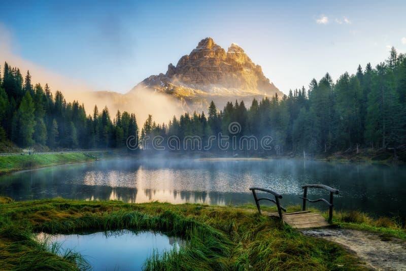 Доломиты, ландшафт Италии на озере Antorno стоковое изображение