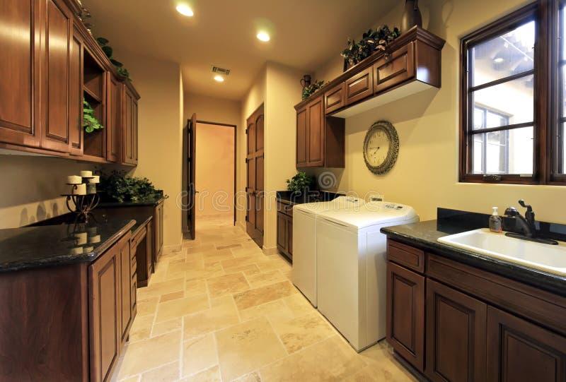 домашнее общее назначение комнаты прачечного просторное стоковое фото rf