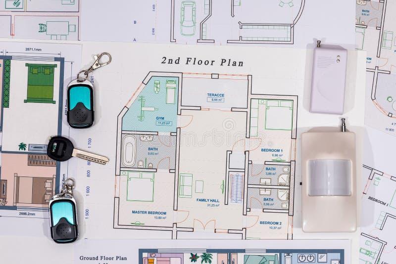 Домашние ключи, cctv с конструкцией дома стоковая фотография rf