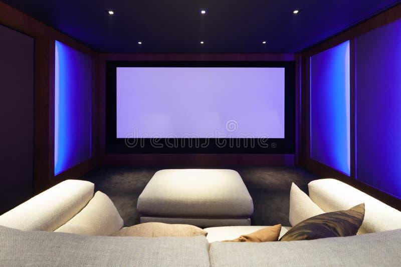 Домашний кинотеатр, роскошный интерьер стоковая фотография