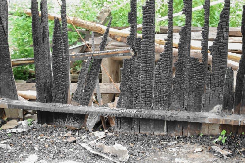Домашний огонь абстрактная деталь отображает пожарище от дома стоковые фотографии rf