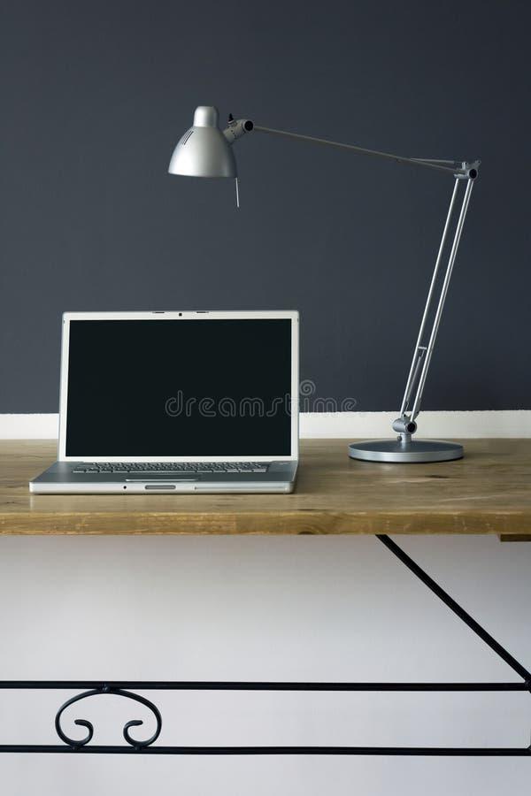 домашний офис frontal стола стоковое изображение rf