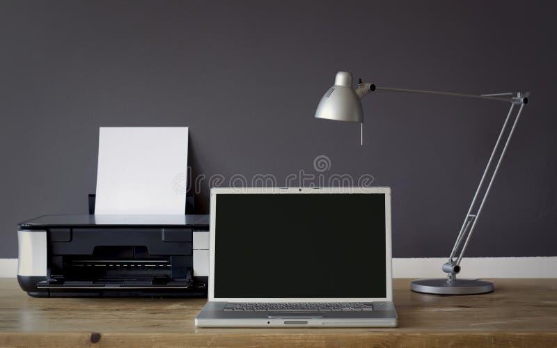 домашний офис frontal стола стоковое фото