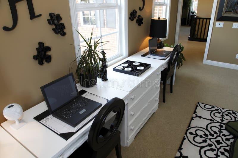 домашний роскошный офис стоковые фото
