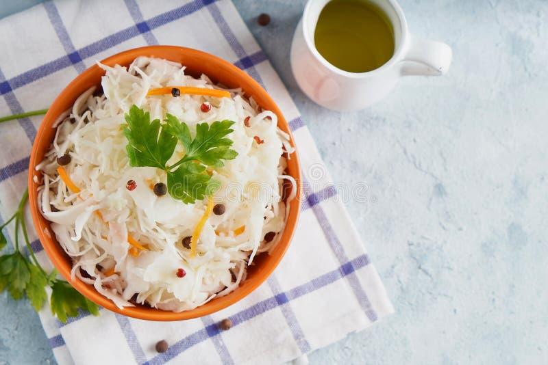 Домашняя карамелька с припасами в апельсиновой миске Природная Пробиотика, здоровая пища стоковая фотография rf