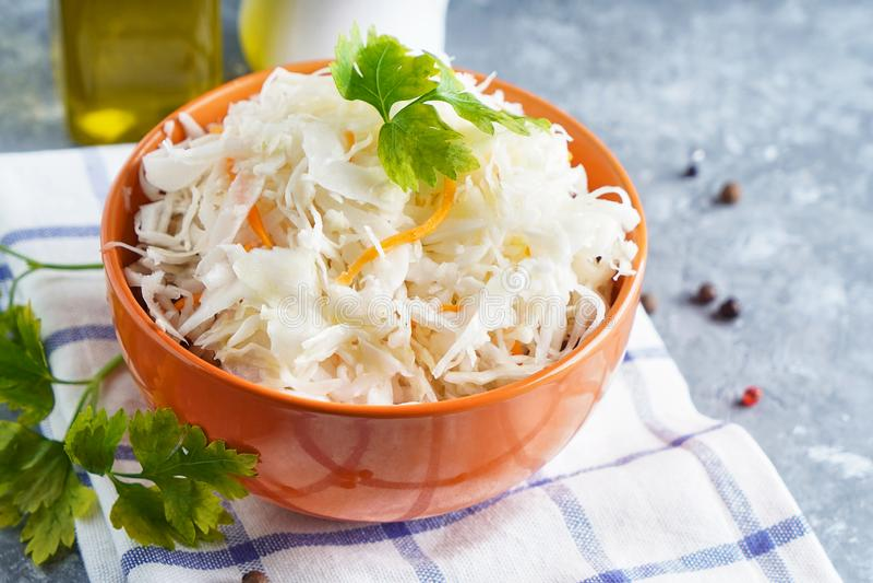 Домашняя карамелька с припасами в апельсиновой чашке Природная Пробиотика, здоровая пища стоковая фотография